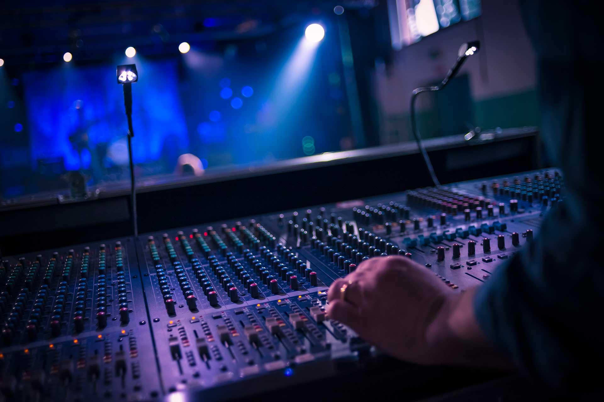 Services Detroit Dj Entertainment Llc